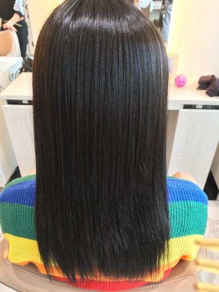 縮毛矯正をした後の髪